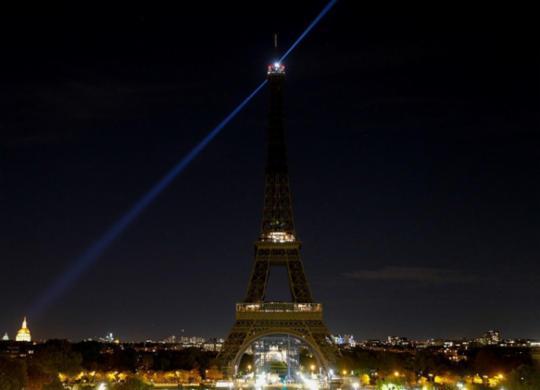 França presta homenagem nacional a professor decapitado por mostrar charges de Maomé | Geoffroy Van Der Hasselt | AFP