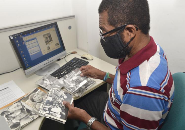 Valdir dos Santos: digitalização amplia acesso ao arquivo || Ag. A TARDE