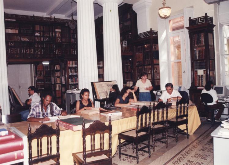 Biblioteca Ruy Barbosa, no prédio do Instituto Geográfico e Histórico da Bahia (IGHB), fotografada em março de 2000