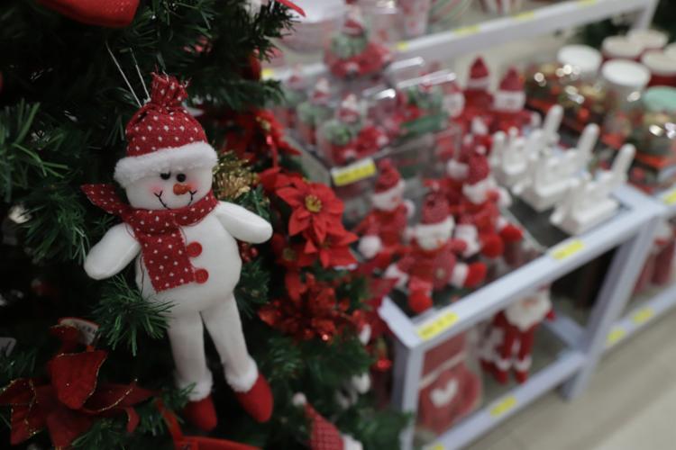 A Le Biscuit do Salvador Shopping já iniciou as vendas de artigos natalinos | Foto: Uendel Galter | Ag. A TARDE