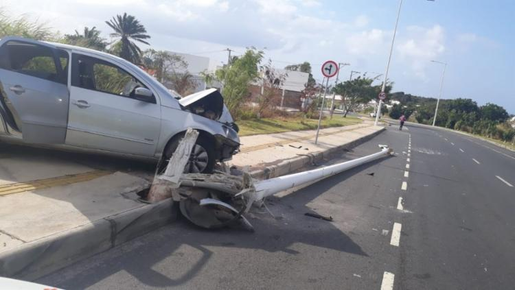 Apesar dos danos causados pela batida, o trânsito na região não foi afetado | Foto: Divulgação | Transalvador - Foto: Divulgação | Transalvador