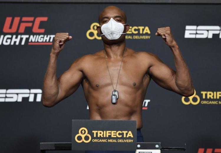 Aos 45 anos, Anderson Silva, lenda do MMA, ainda pode fazer mais uma luta na organização | Foto: Divulgação | UFC Brasil - Foto: Divulgação | UFC Brasil