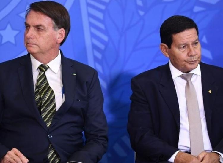Apoio do eleitorado evangélico a Bolsonaro pode diminuir caso presidente não ache uma solução para o impasse diplomático - Foto: Evaristo Sa | AFP