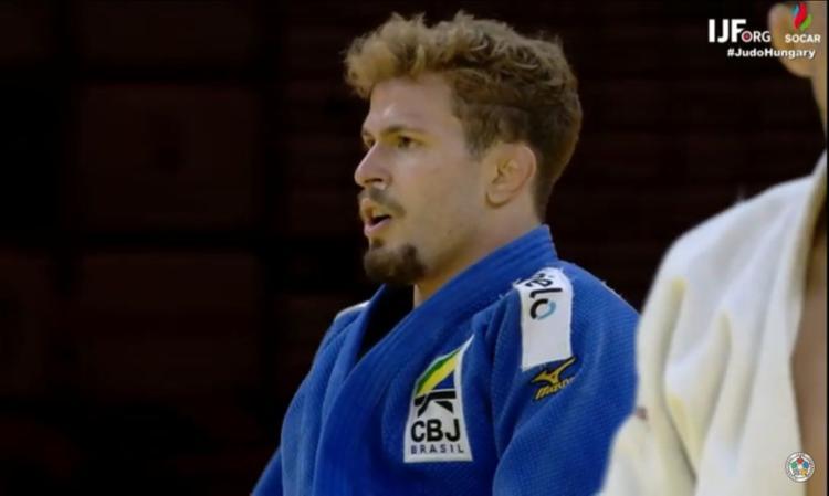 Willian Lima faturou o bronze ao vencer por dois waza-ari o meio-leve Erkhembayar Battogtokh, da Mongólia   Foto: Reprodução   Twitter - Foto: Reprodução   Twitter