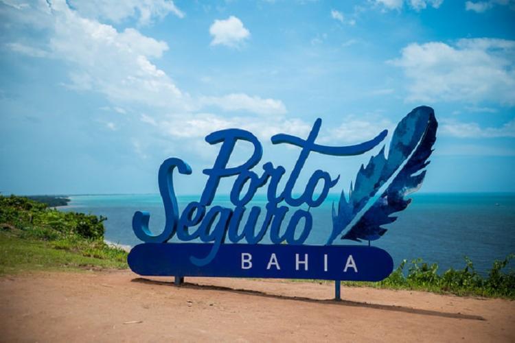 Porto Seguro, a Terra Máter do Brasil, ganhou um tic de briga entre o europeu colonizador com os nascidos cá na disputa eleitoral deste ano - Foto: Reprodução|