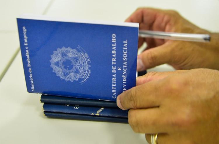 Taxa de desocupação passou de 13,6% em agosto para 14% em setembro, maior da série histórica. - Foto: Marcello Casal | Agência Brasil