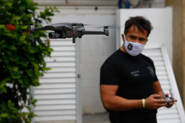 Com imagens em alta resolução, drones vão identificar situações de crime eleitoral | Foto: Rafael Martins | Ag. A TARDE - Foto: Rafael Martins | Ag. A TARDE