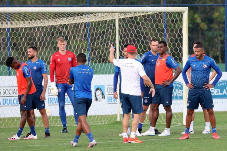 Durante a preparação, Mano ainda ajustou alguns detalhes ofensivos e defensivos | Foto: Felipe Oliveira | EC Bahia - Foto: Felipe Oliveira | EC Bahia