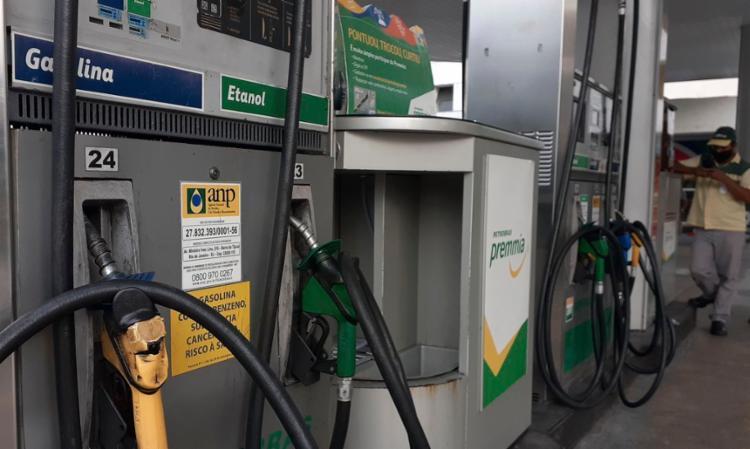 Ao todo, em 2020 a gasolina teve 35 reajustes e o diesel 28 | Foto: Fernando Frazão | Agência Brasil - Foto: Fernando Frazão | Agência Brasil