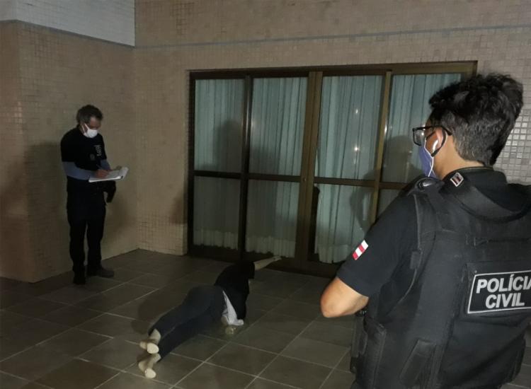 Simulação tem finalidade de esclarecer a tentativa de feminicídio contra uma médica em julho deste ano - Foto: Divulgação   Polícia Civil