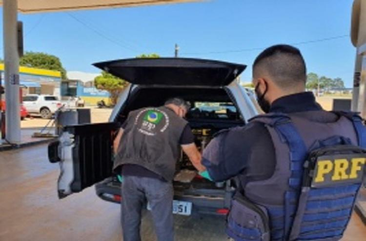 Três estabelecimentos comercializavam combustíveis adulterados - Foto: Divulgação   PRF