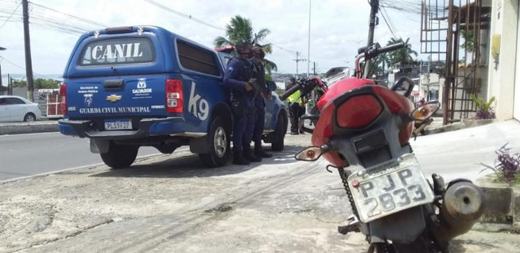 Segundo suspeito, que estava em posse de uma arma de fogo, conseguiu fugir | Foto: Divulgação | GCM - Foto: Divulgação | GCM