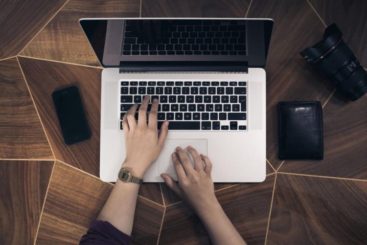 Consumidores utilizam mais os canais digitais das instituições financeiras - Foto: Reprodução