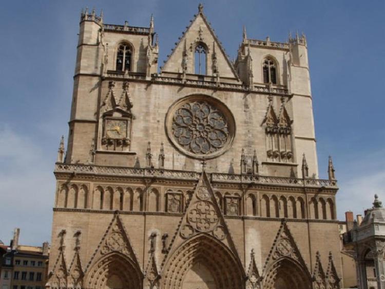 Caso ocorreu em uma igreja no centro de Lyon em meio à escalada de violência na França - Foto: Reprodução: Wikipedia