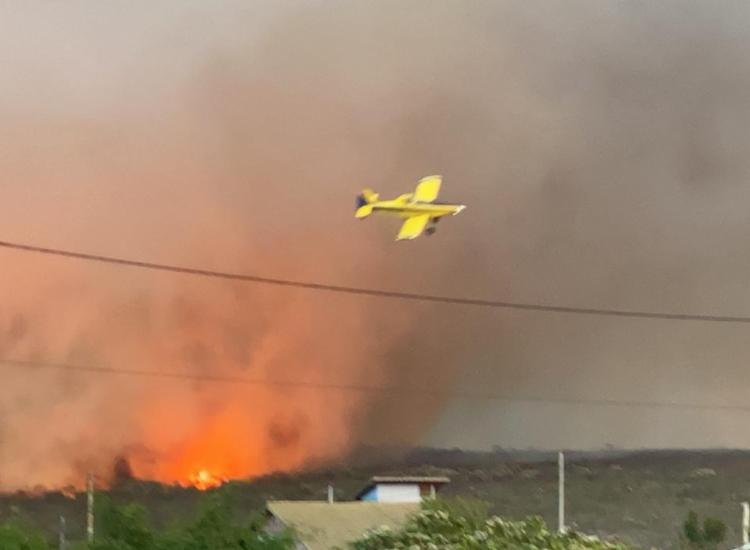 Dois aviões modelo airtractor estão sendo usados para combater as chamas | Foto: Divulgação | Ibama