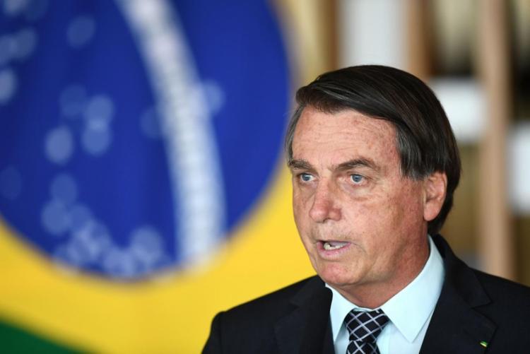 De acordo com Bolsonaro, desvio foi causado por conta do mau tempo na região que acabou criando dificuldades para o piloto - Foto: Divulgação   Agencia Brasil