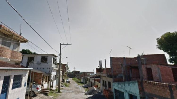 Crime foi registrado na manhã desta quinta-feira, 15, na rua Natalício, em Paripe   Foto: Reprodução   Google Street View - Foto: Reprodução   Google Street View