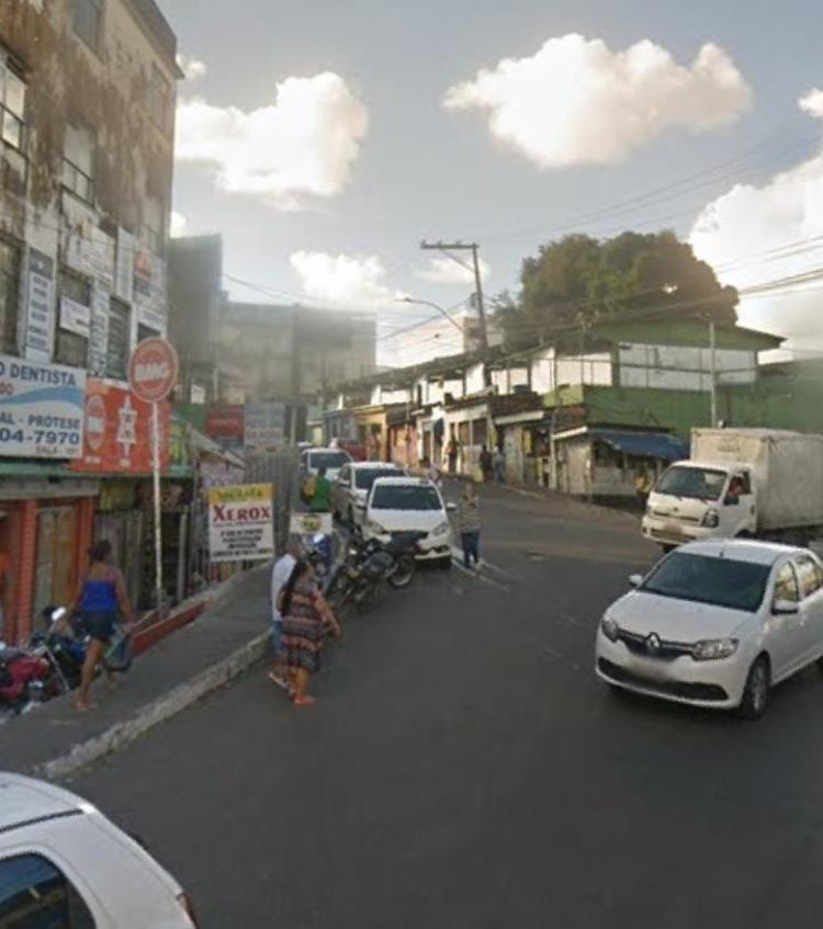 Jovem foi morto a tiros no Largo do Argeral | Foto: Reprodução | Google Street View - Foto: Reprodução | Google Street View