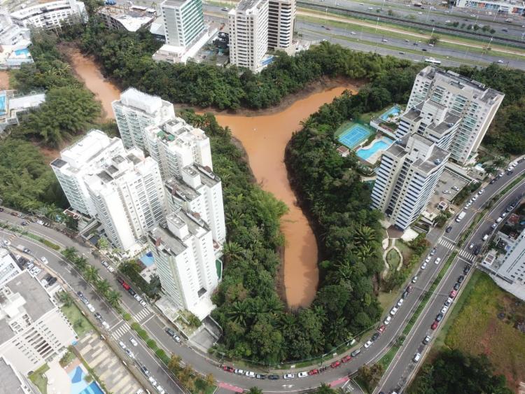 Lagoa está com o nível reduzido e água poluída | Foto: Divulgação - Foto: Divulgação