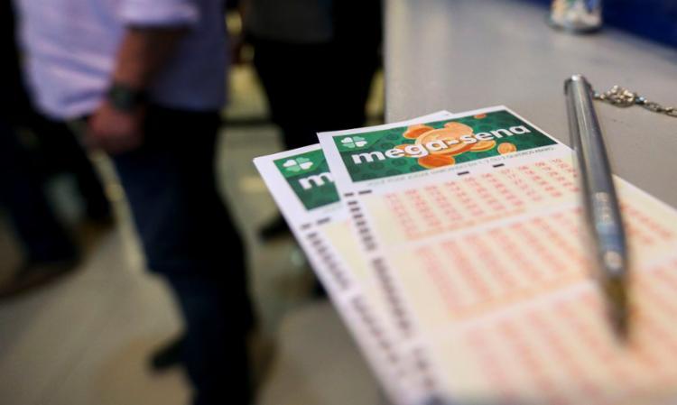 Apostas podem ser feitas até as 19h pela internet ou lotéricas | Foto: Marcelo Camargo | Agência Brasil - Foto: Marcelo Camargo | Agência Brasil