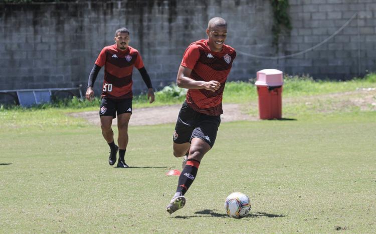 Lucas Cândido de volta ao meio-campo do Leão nesta tarde   Foto: Letícia Martins   EC Vitória - Foto: Letícia Martins   EC Vitória
