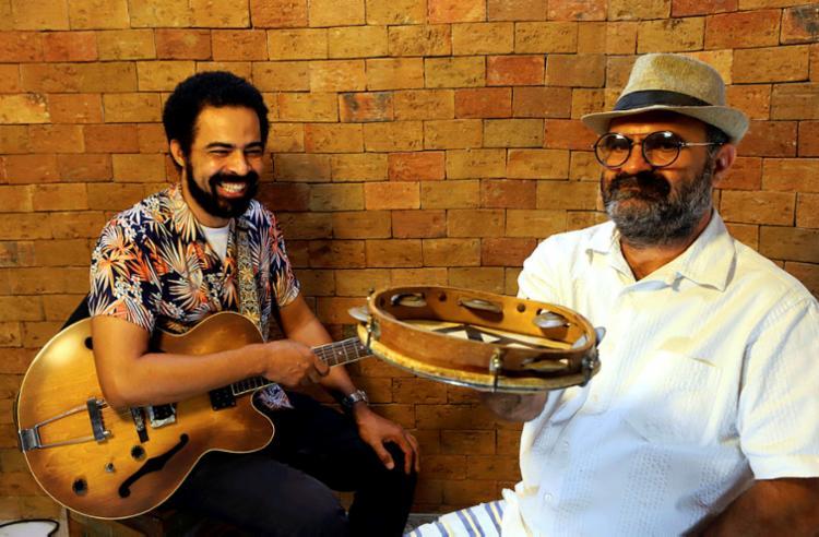 O guitarrista Cid Fiuza e o fundador do Africania, Bel da Bonita: vem aí O curador do museu do imaginário | Foto: Adilton Venegeroles | Ag. A TARDE - Foto: Adilton Venegeroles | Ag. A TARDE