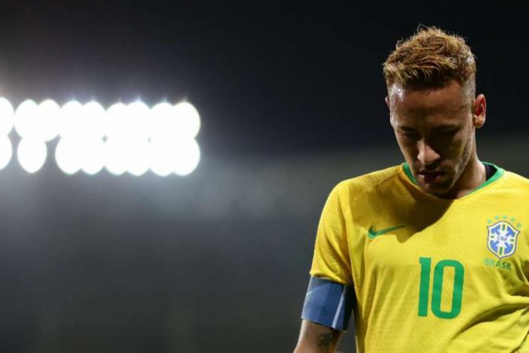 Neymar se queixou de dores nas costas na atividade de quarta à tarde   Foto: Lucas Figueiredo   CBF - Foto: Lucas Figueiredo   CBF