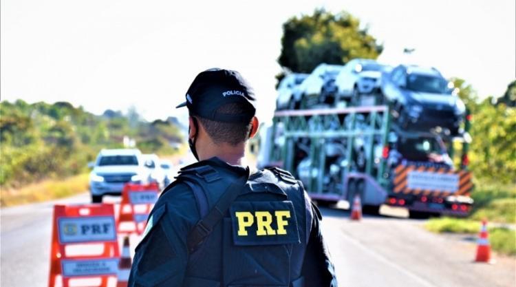 A previsão é a de que o fluxo dos veículos nas rodovias aumente nestes quatro dias de feriado prolongado | Foto: Divulgação | PRF - Foto: Divulgação | PRF
