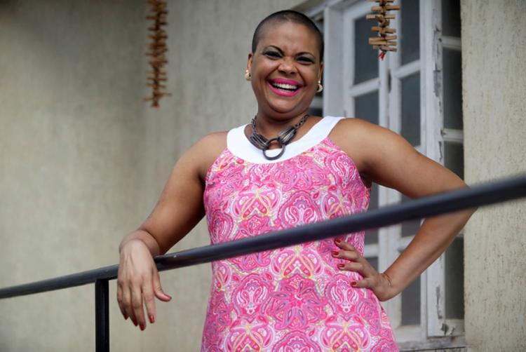 Ebilene Campos, 43 anos, exibe a alegria de viver e leva motivação a outras mulheres   Foto: Felipe Iruatã   Ag. A TARDE - Foto: Felipe Iruatã   Ag. A TARDE