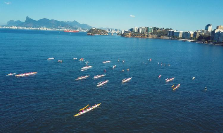 O Remada Rosa é liderado pela brasileira Claudia Vidal, campeã sul americana de canoa havaiana | Foto: Divulgação | Remada Rosa - Foto: Foto: Divulgação | Remada Rosa
