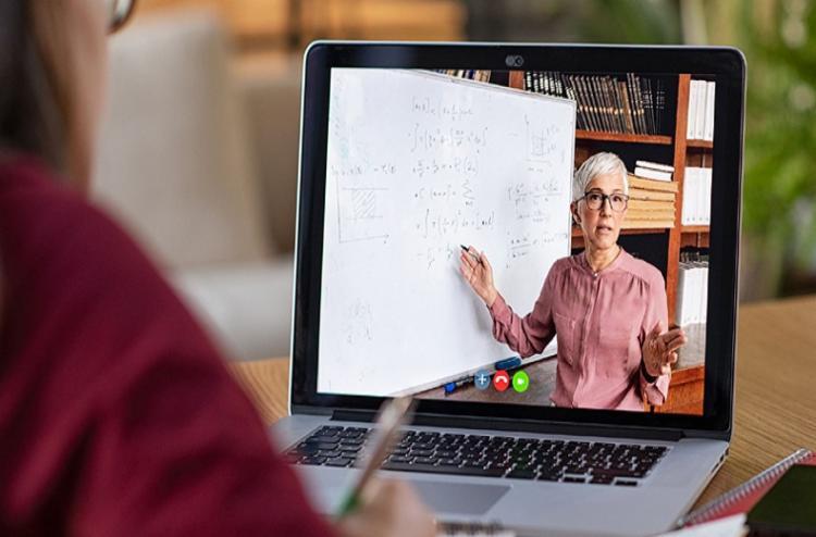 Professores dizem se sentir mais confiantes para lidar com ensino remoto - Foto: 123RF