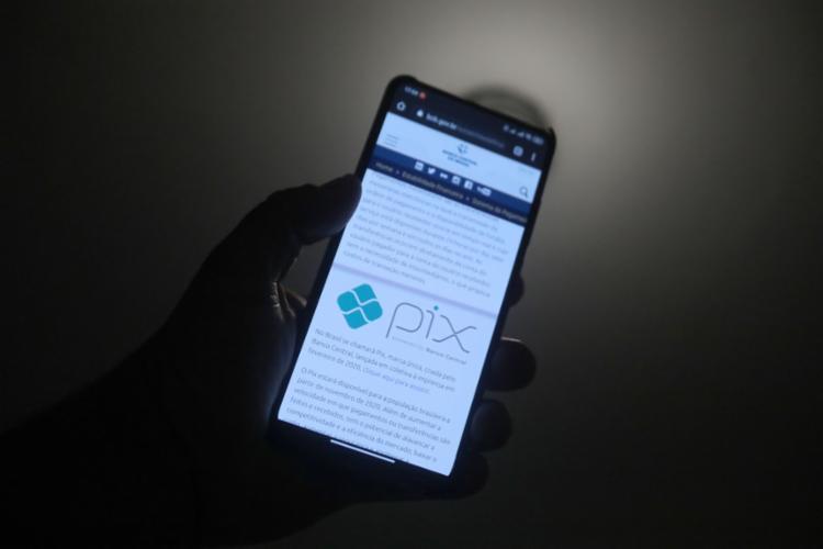 O Pix é gratuito para pessoas físicas | Foto: Felipe Iruatã | Ag. A TARDE - Foto: Felipe Iruatã | Ag. A TARDE