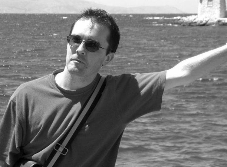 Professor francês Samuel Paty foi decapitado na França   Foto: Reprodução   Twitter - Foto: Reprodução   Twitter