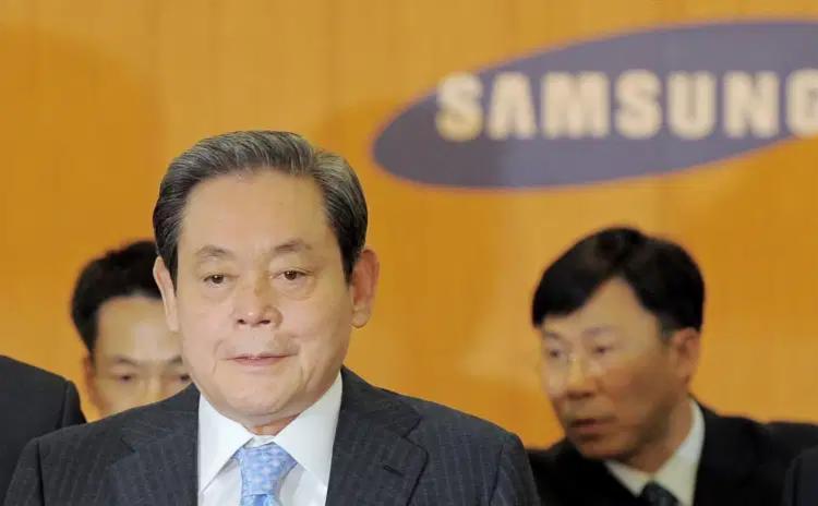 Em 2014, Lee Kun-hee foi hospitalizado após sofrer um ataque cardíaco | Foto: Arquivo | AFP - Foto: Arquivo | AFP