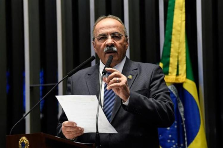 O senador Chico Rodrigues foi flagrado nesta quarta em sua casa com maços de dinheiro na cueca - Foto: Divulgação