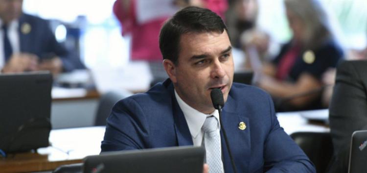 Flávio Bolsonaro, o ex-assessor dele Fabrício Queiroz e mais 15 pessoas foram denunciados pelo Ministério Público || Foto: Edilson Rodrigues | Agência Senado - Foto: Foto: Edilson Rodrigues | Agência Senado