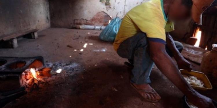 Dentre os lavradores encontrados em condições indignas de trabalho está um idoso de 67 anos | Foto: Sergio Carvalo | AFT - Foto: Sergio Carvalo | AFT