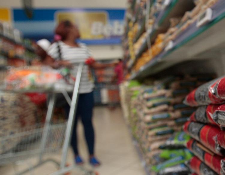 Inflação acumulada em 12 meses apresentou uma tendência de aceleração para todas as faixas de renda | Foto: Alessandra Lori | Ag. A TARDE - Foto: Alessandra Lori | Ag. A TARDE | 30.05.2018