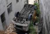 Motorista fica ferido após Kombi cair de ribanceira em Brotas | Foto: Reprodução | Redes Sociais