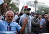 Argentinos se despedem do ídolo Maradona em velório na sede do governo | Foto: Alejandro Pagni | AFP