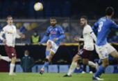 Napoli vence e homenageia seu eterno ídolo no