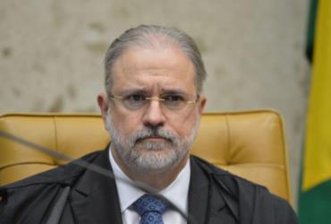 Aras defende direito de Bolsonaro de desistir de depoimento |