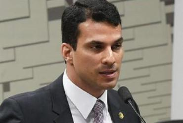 Modelo acusa senador estupro em São Paulo; parlamentar nega |