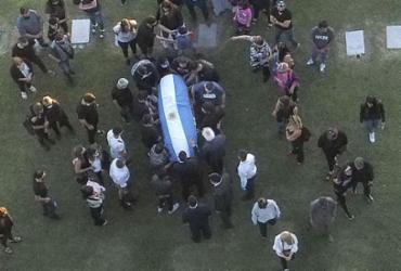 Fotos clandestinas do corpo de Maradona causam indignação na Argentina |