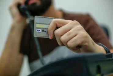 Motoboy é preso aplicando golpes com cartão de crédito em Eunápolis