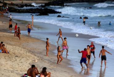 Uso das praias no Réveillon ainda será avaliado, afirma Neto   Felipe Iruatã   Ag. A TARDE