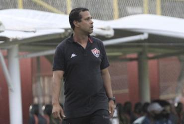 Vitória de Rodrigo Chagas encara CRB para voltar aos trilhos na Série B | Letícia Martins | EC Vitória