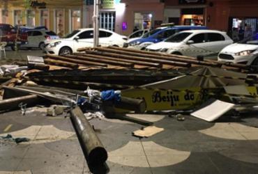 Estrutura de barraca desaba no Rio Vermelho e quatro ficam feridos | Divulgação | CBMBA