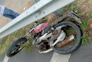 Motociclista morre após acidente na BR-116; carro foi incendiado por moradores