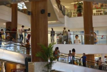 Feriado de Ano Novo não deve repetir movimentação de Natal, dizem comerciários | Rafael Martins | Ag: A TARDE | 25.7.2020